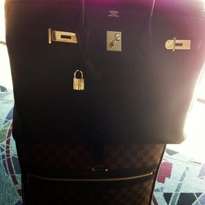 Reserved❤️🆕 LV Damier travel 55 pegasus luggage